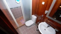 Kayhan 10 Bathroom